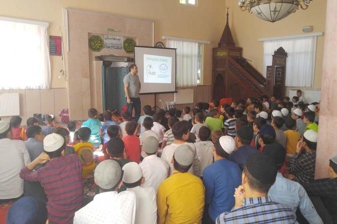 Diyarbakır'da Yaz Kur'an kursunda öğrencilere bağımlılıkla mücadelenin önemi anlatıldı