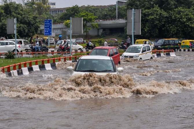 Hindistan'da muson yağmurları: 511 ölü