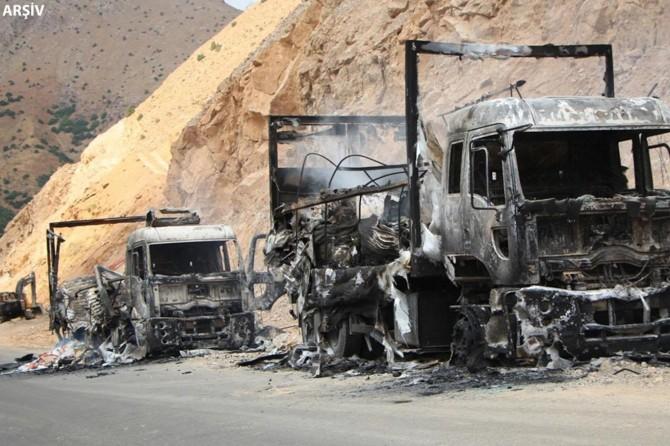 PKK, Ağrı Doğubayazıt'ta 4 araç ateşe verildi