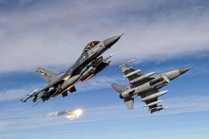Hakkari'deki hava harekâtında 3 PKK'li öldürüldü