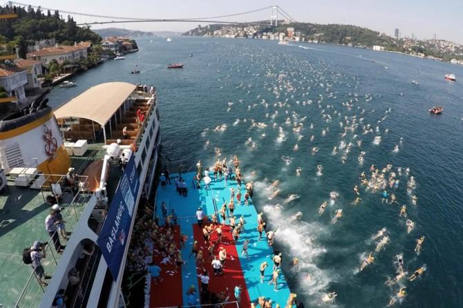 Boğaziçi kıtalararası yüzme yarışı nedeniyle bazı vapur seferleri iptal edildi