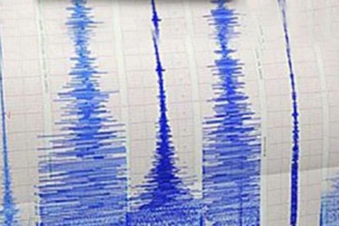 İran'da art arda 2 büyük deprem oldu