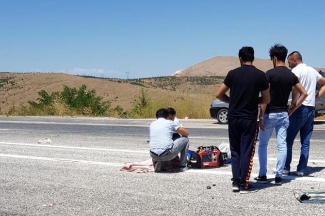 Elazığ Keban'da otomobil motosikletle çarpıştı: 1 ölü