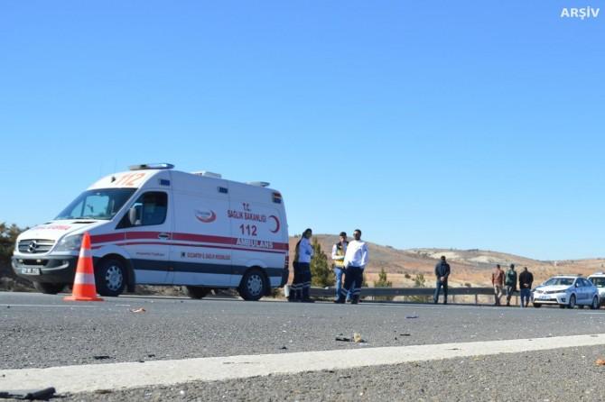 Gaziantep Nizip'te Suriyelileri taşıyan işçi servisi devrildi: 17 yaralı