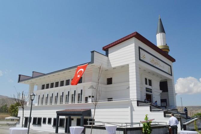 İşadamının Tatvan'da yaptırdığı cami ve misafirhane hizmete açıldı
