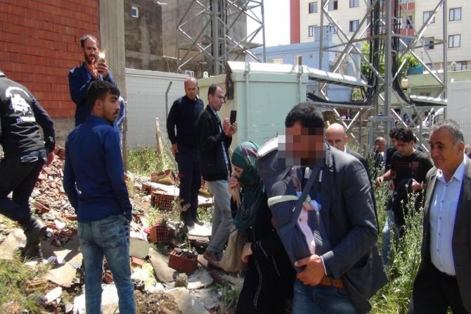 Çınar'da eşini ve eşinin dayısını silahla vurdu
