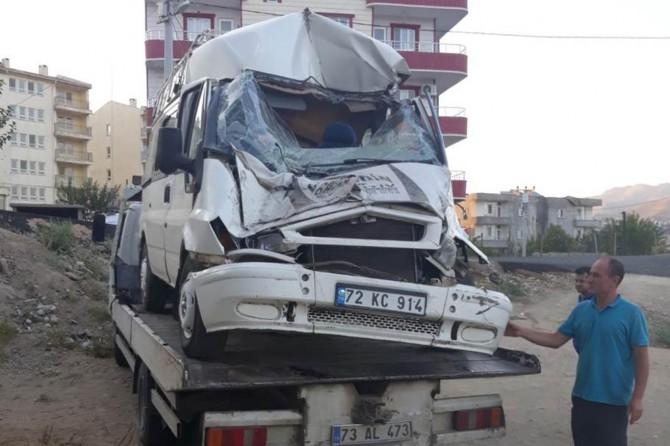 Batman Kozluk'ta kaza: 1'i çocuk 2 yaralı