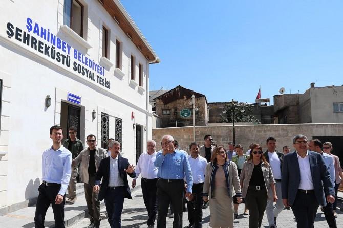 Şahinbey Belediye Başkanı Mehmet Tahmazoğlu projelerini tanıttı