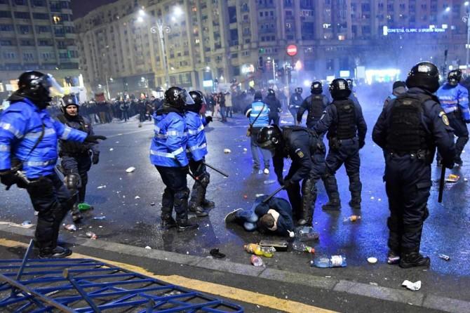 Romanya'daki gösteriler devam ediyor