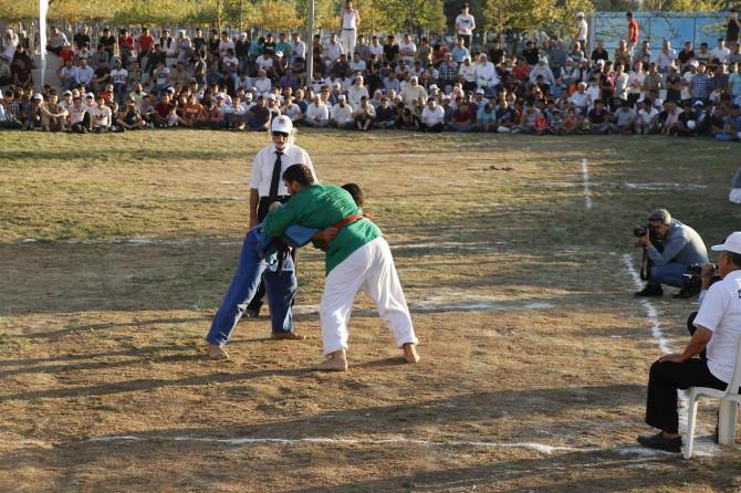 Uluslararası Kuraş Şampiyonası finali Zeytinburnu'nda gerçekleşti