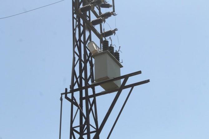 Şırnak'ta bazı köylerde yaşanan elektrik kesintileri tepki çekiyor