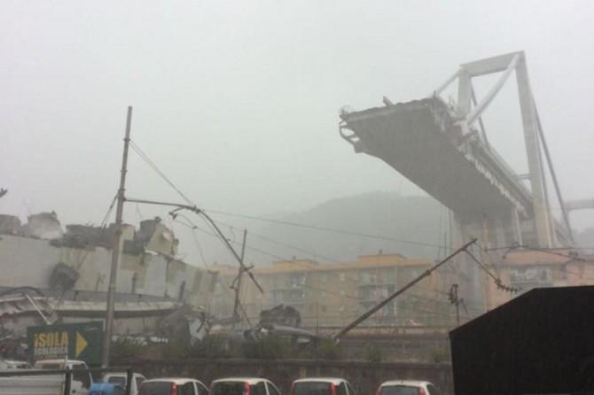 İtalya'da köprü çöktü: Ölü ve yaralılar var