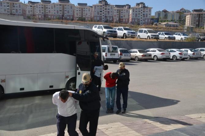 Van'da PKK'ye yönelik operasyon: 15 gözaltı