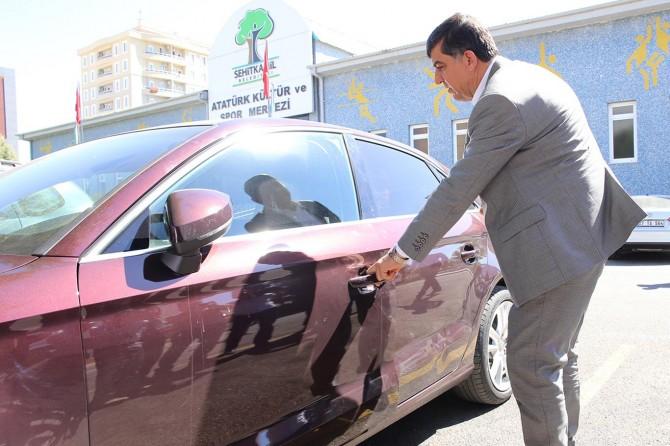 Belediye Başkanı makam aracını iade etti