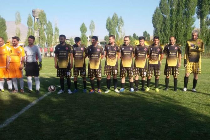 Büyükşehir futbol turnuvasında eleme maçları heyecanı