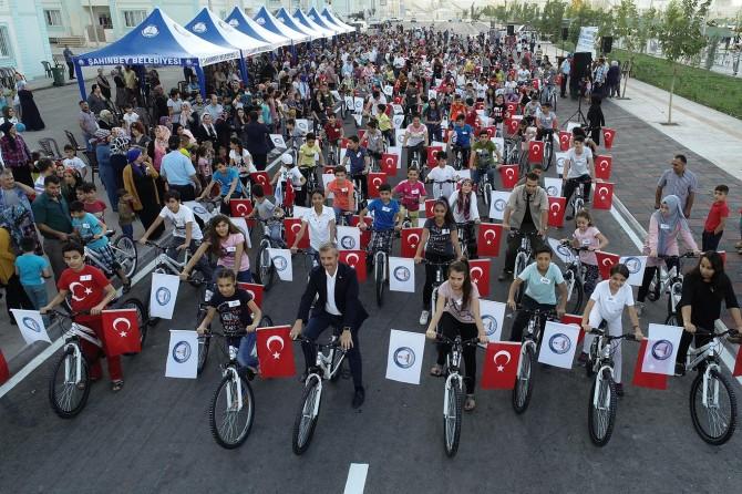 Gaziantep'te başarılı öğrenciler bisikletle ödüllendirildi