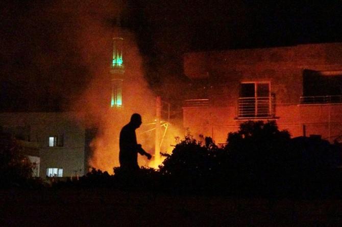Mardin Nusaybin'de metruk evde çıkan yangın mahalleliyi korkuttu