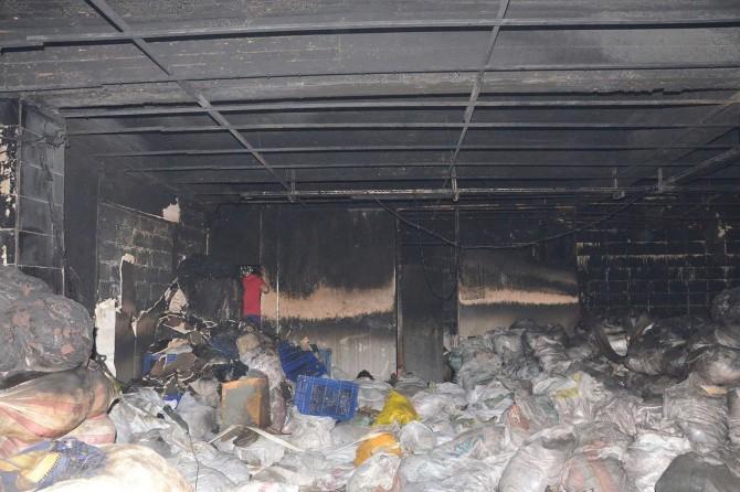 Gaziantep'te fabrikada çıkan yangında 2 Suriyeli öldü
