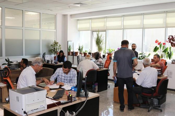 Kamu çalışanları arefe günü yarım gün idari izinli sayılacak