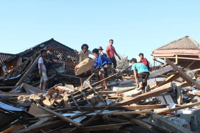 Li Endonezyayê hejmara mirîyan derket 460î