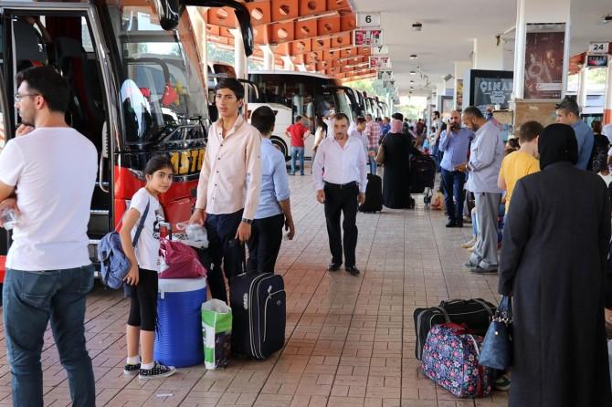 Otogarda bayram hareketliliği başladı, biletler tükendi
