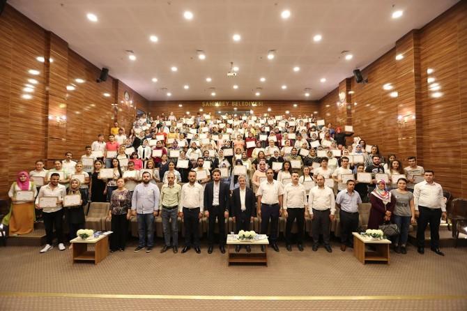 Gaziantep'te meslek edinme kursuna katılan 199 kişiye sertifika verildi