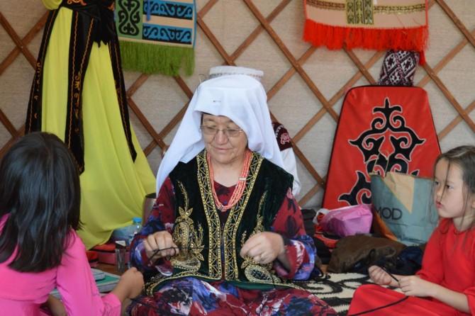 Bitlis Ahlat'ta Pamir Kırgızları açtıkları çadırla obaya renk kattı