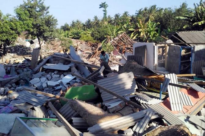 Endonezya'daki depremde ölü sayısı 563'e yükseldi