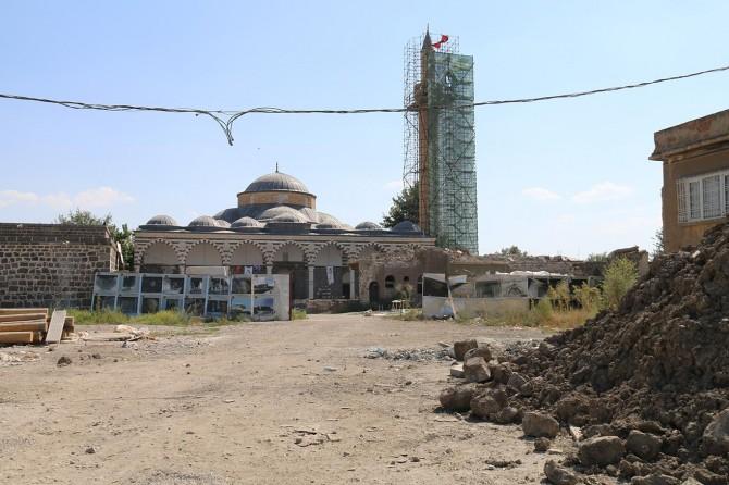 Çatışmaların hedefi olan Kurşunlu Cami'nin restorasyonu devam ediyor