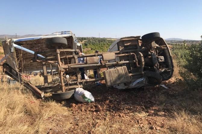 Mardin Midyat'ta tarım işçilerini taşıyan araç kaza yaptı: 1 ölü 4 yaralı