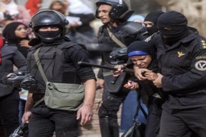 Mısır zindanlarında Müslüman kadınlar hergün işkence görüyor