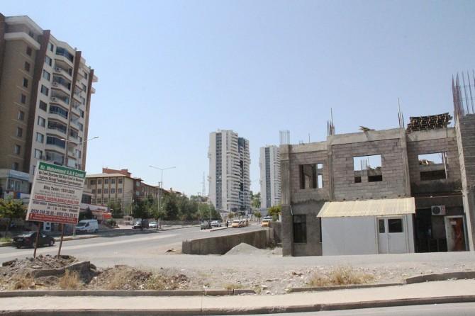 Diyarbakır'da yapımı tamamlanamayan cami yardım bekliyor