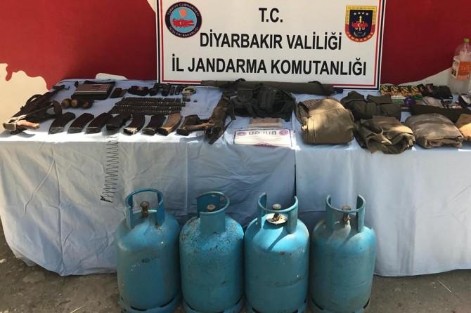 Diyarbakır Hazro'da silah ve mühimmat ele geçirildi