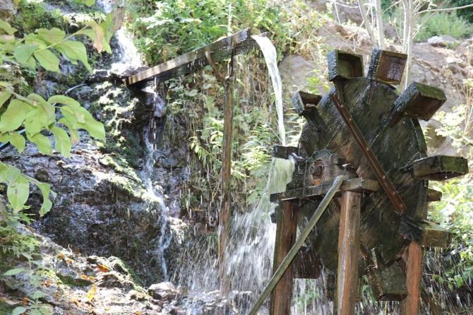 Bingöl Kiğı'da tarihi su değirmeni ilgi görüyor