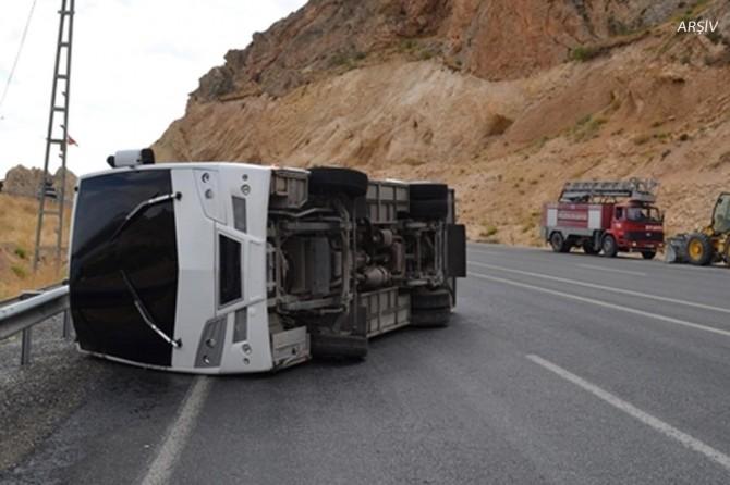 Batman Hasankeyf'te polis aracı devrildi: 6 yaralı