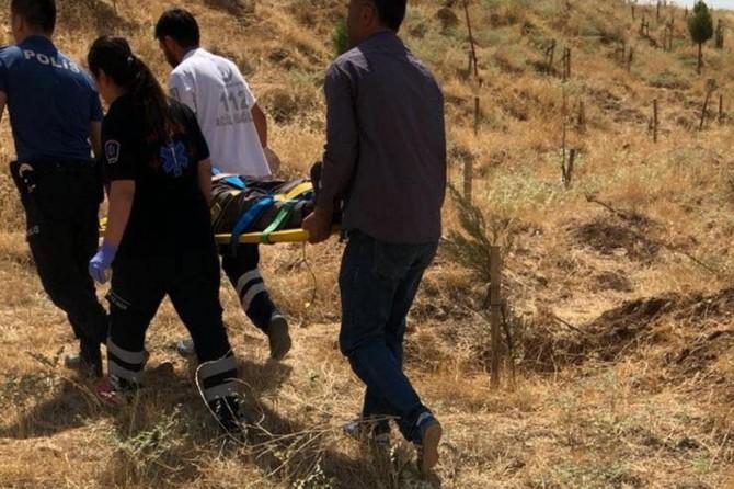 Mardin Artuklu'da ormanlık alanda yaralanan yaşlı adam kurtarıldı