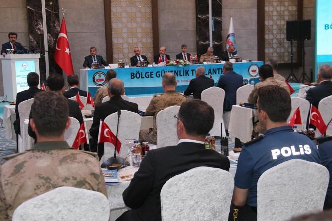 Bölge valileri Diyarbakır'da toplandı