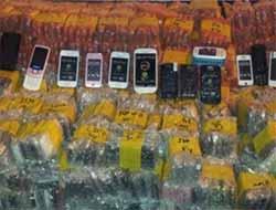 Van'da Kaçak Sigara ve Cep Telefonu Operasyonu