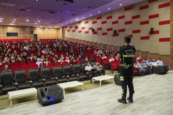 Ağrı'da öğretmenlere Trafik Güvenliği ve Farkındalığı eğitimi verildi