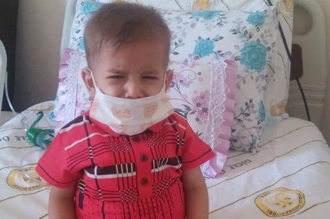 Diyarbakır'da ilik kanserine yakalanan küçük çocuk yardım bekliyor