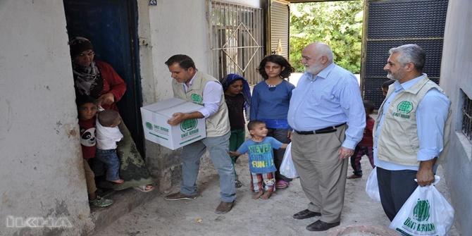 Umut Kervanından çocukları yakılan aileye yardım