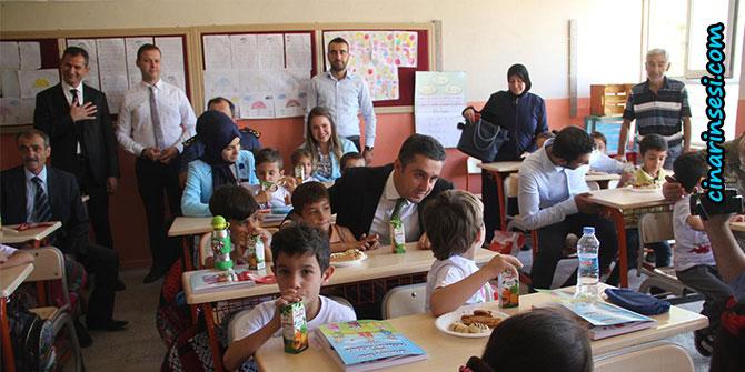 Midyat'ta binlerce öğrenci ders başı yaptı