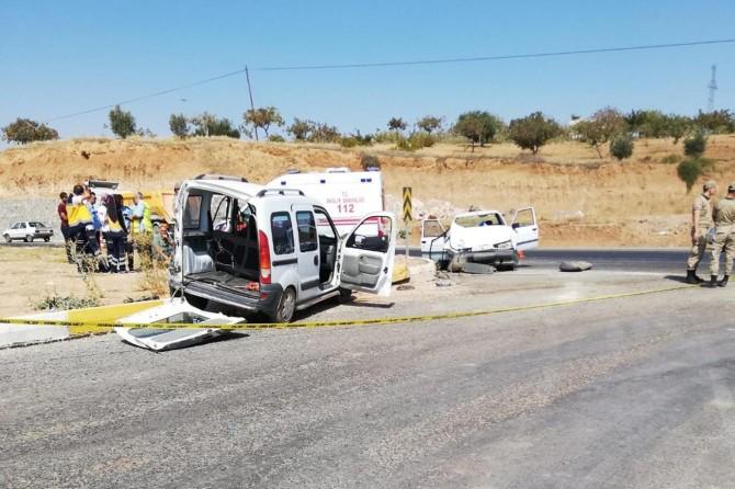 İki araç çarpıştı: Bir ölü, 5 yaralı
