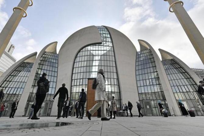 Alman istihbaratı DİTİB'i izlemeyi gündemine aldı