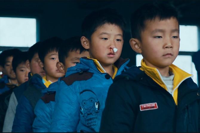 Çin'de Müslüman çocuklar ailelerinden zorla alınıyor