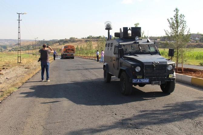 Diyarbakır'da bisikletli 2 çocuk kamyonun altında can verdi