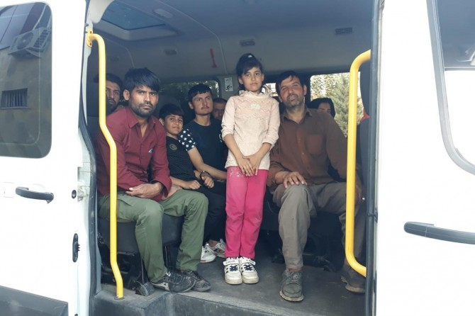 Kaçak göçmenleri İstanbul diye Elazığ'a getirdiler