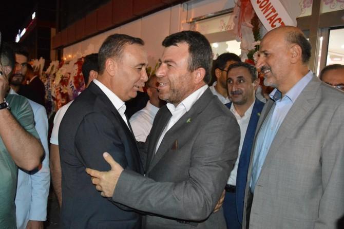 HÜDA PAR Genel Başkanı Yavuz, Ören ailesinin düğününe katıldı