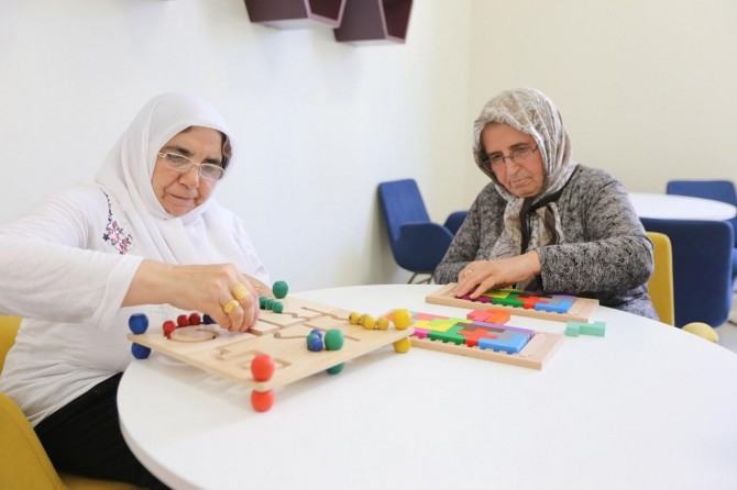 Gaziantep'te alzheimer hastalarına moral evi