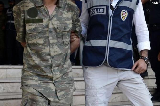 36'sı muvazzaf 71 kişi hakkında gözaltı kararı